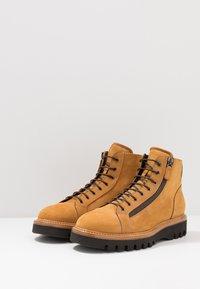 Franceschetti - Šněrovací kotníkové boty - cognac - 2