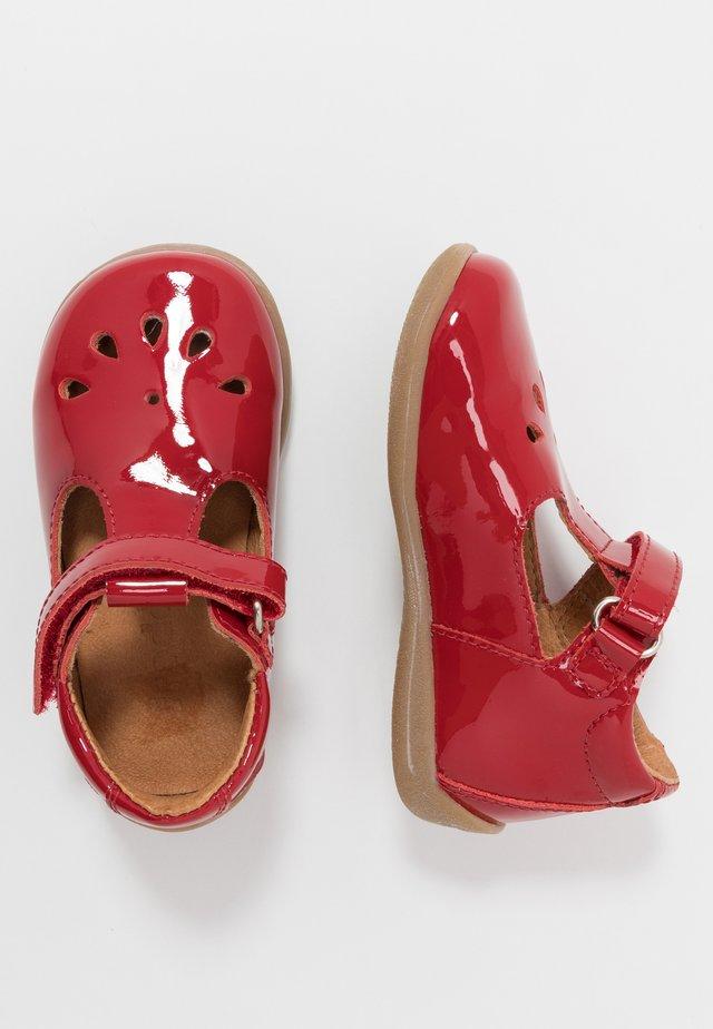 GIGI SLIM FIT - Vauvan kengät - red