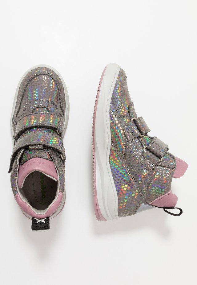 HARRY MEDIUM FIT - Sneaker high - grey/silver