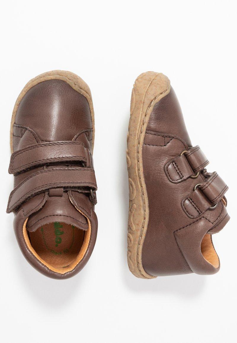 Froddo - SLIM FIT - Lær-at-gå-sko - dark brown