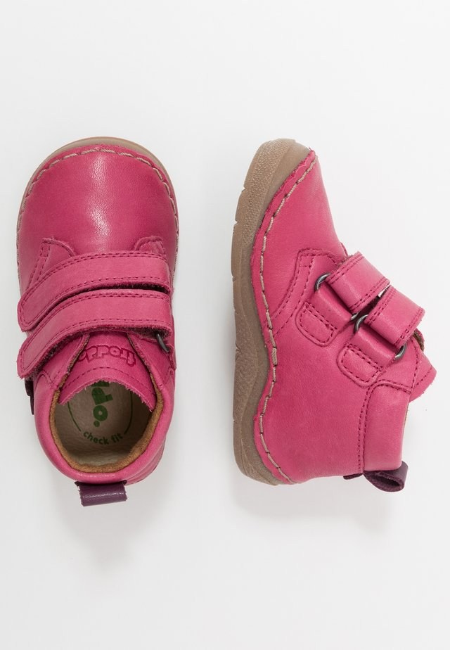 PAIX WIDE FIT - Baby shoes - fuxia