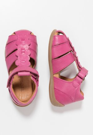 Vauvan kengät - fuxia