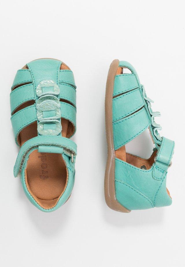 CARTE MEDIUM FIT - Sandaler - mint