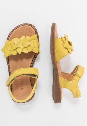 LORE FLOWERS MEDIUM FIT - Sandales - yellow