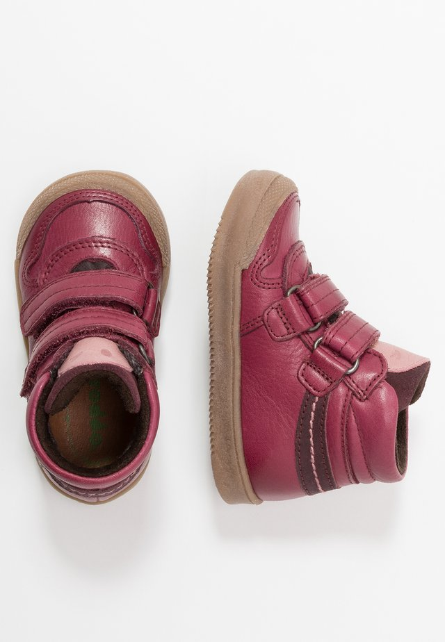 Baby shoes - bordeaux