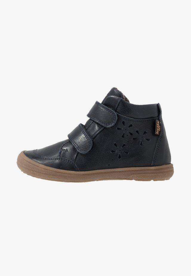 ROBERTA TEX MEDIUM FIT - Sneaker high - dark blue