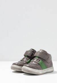 Froddo - Vauvan kengät - grey - 3