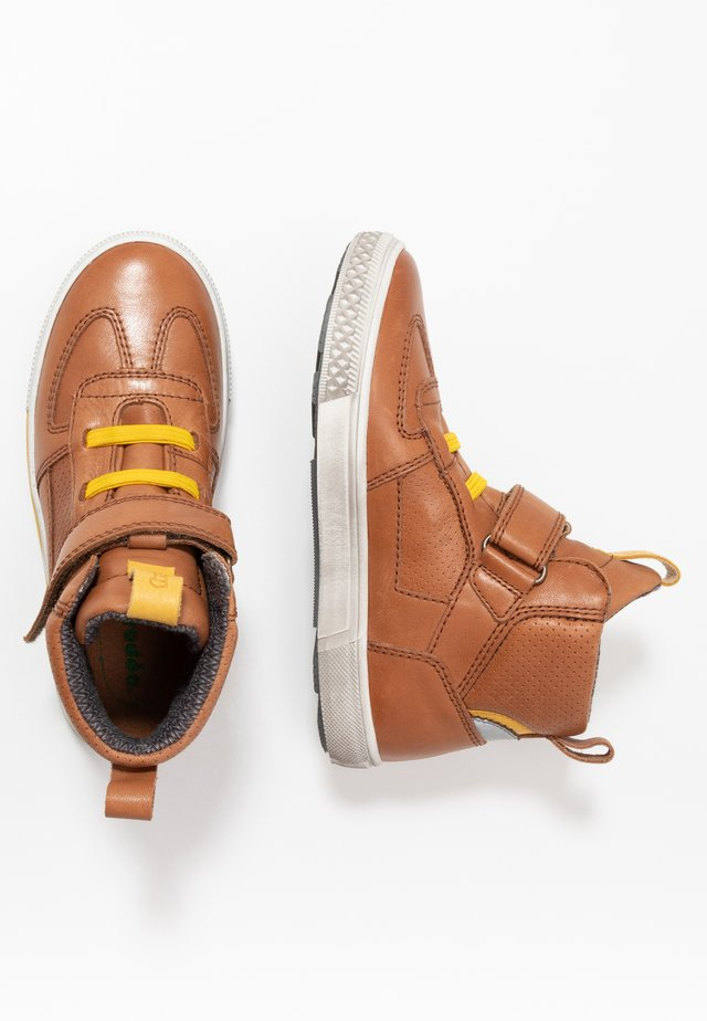 STRIKE TEX MEDIUM FIT - Sneakers high - cognac
