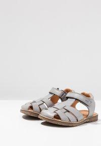 Froddo - Sandaalit nilkkaremmillä - grey - 3