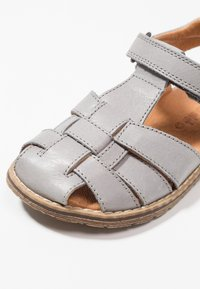 Froddo - Sandaalit nilkkaremmillä - grey - 2