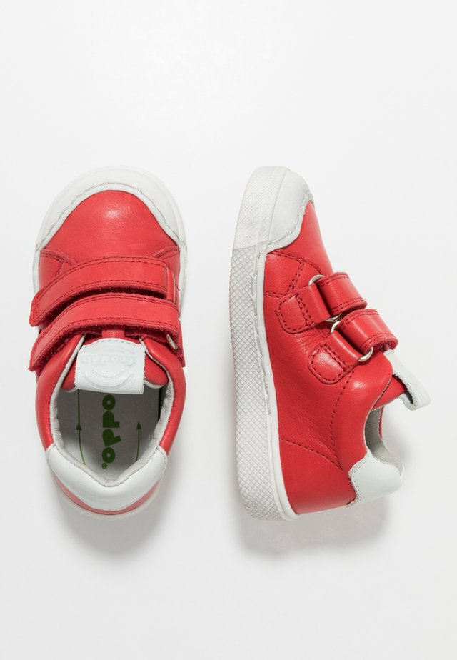 SPORT MEDIUM FIT - Sneakers - red