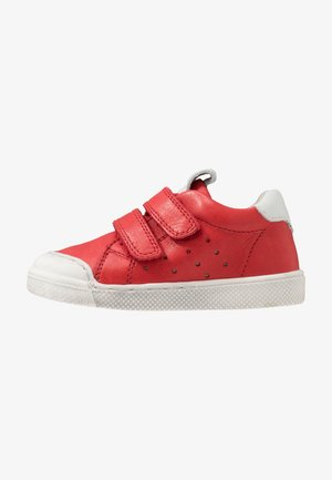 SPORT MEDIUM FIT - Trainers - red