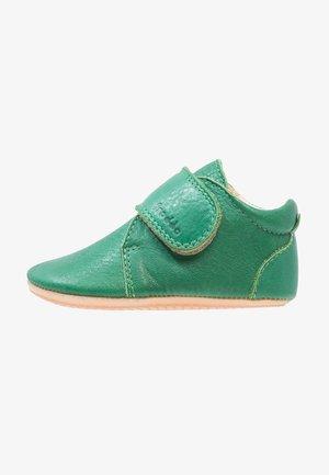NATUREE CLASSIC MEDIUM FIT - First shoes - dunkelgrün