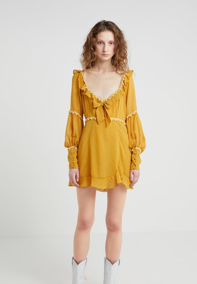For Love & Lemons - MARQUEE MINI DRESS - Vapaa-ajan mekko - mustard