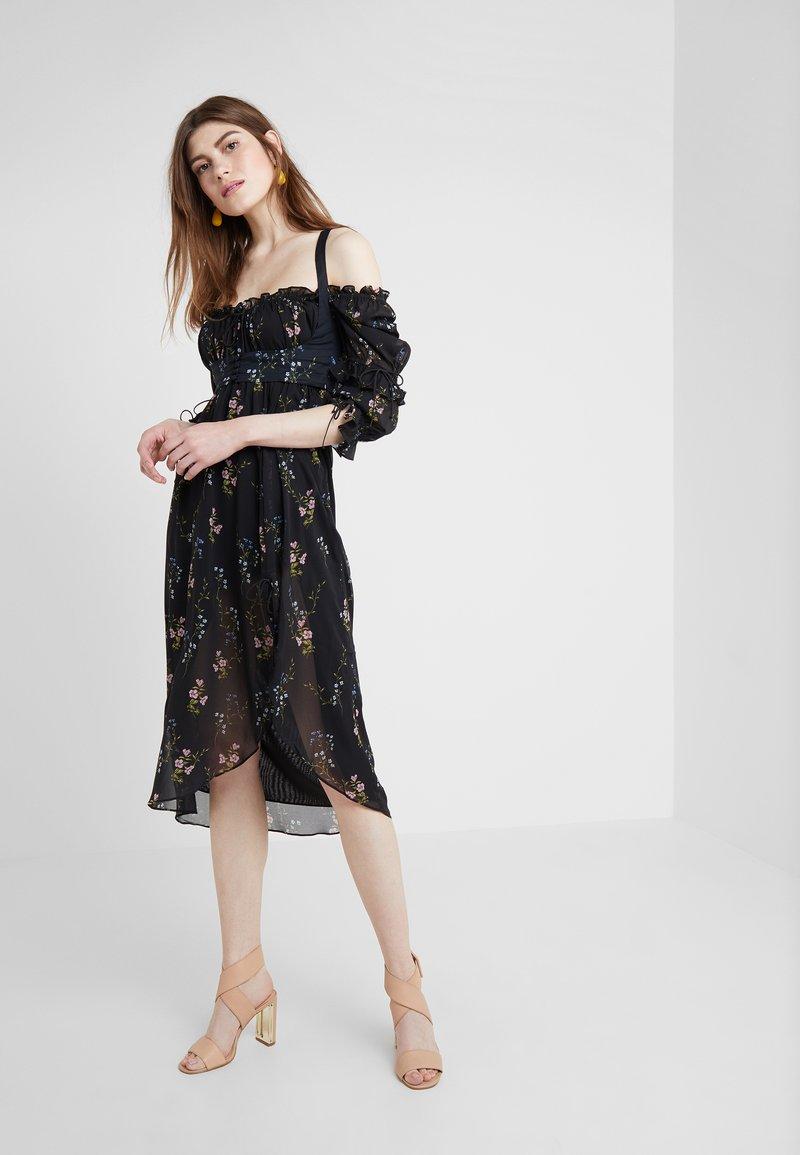 For Love & Lemons - NICOLA MIDI DRESS - Sukienka letnia - black floral