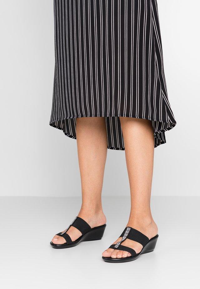 CEDRO - Pantolette hoch - nero