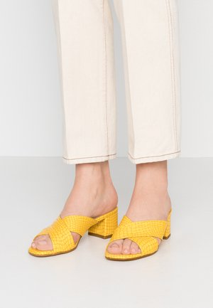 VENETIA - Sandaler - giallo