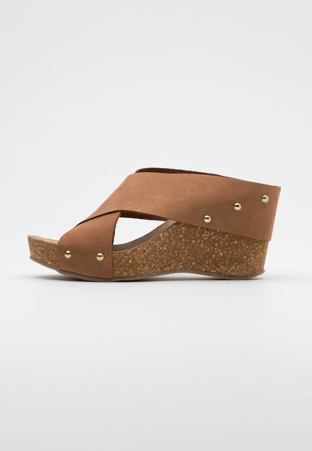 VENERE - Heeled mules - tan