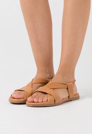 BELLATRIX - Sandały - naturale