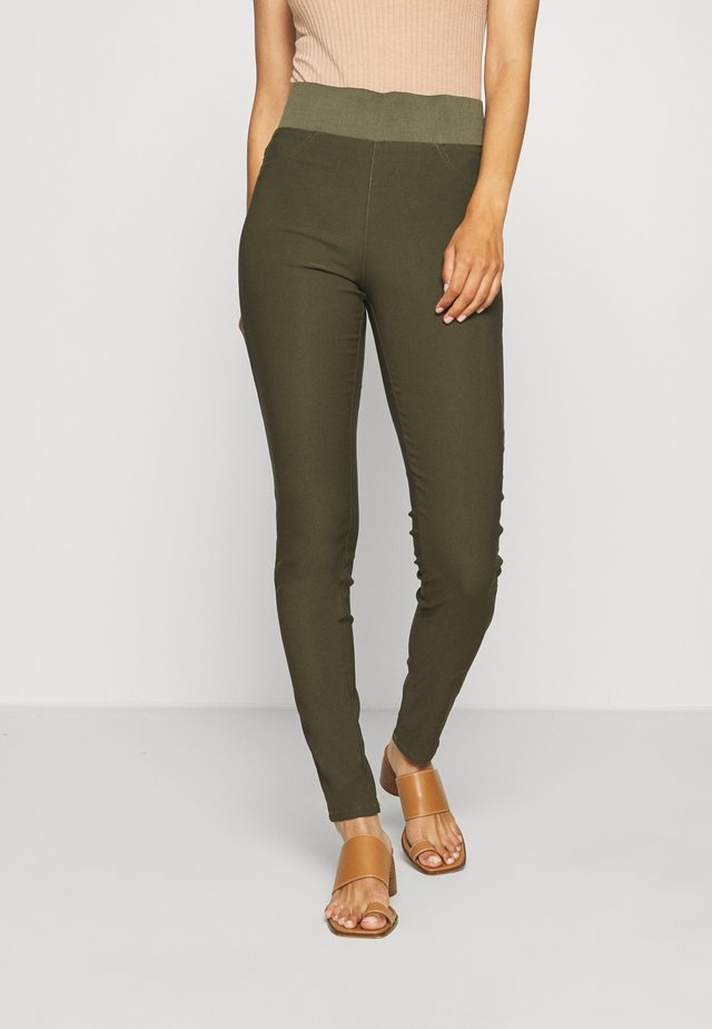 SHANTAL POWER - Pantalon classique - olive