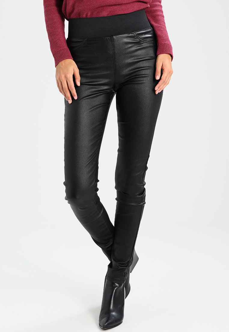 Freequent - SHANTAL COOPER - Trousers - black
