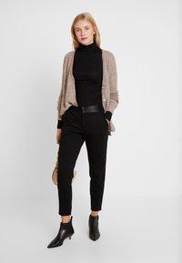 Freequent - NANNI SHINE - Pantaloni - black - 1