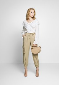 Freequent - SIMONE - Trousers - beige sand - 1