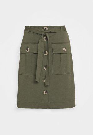 FQNANNI CARGO - Spódnica trapezowa - olive