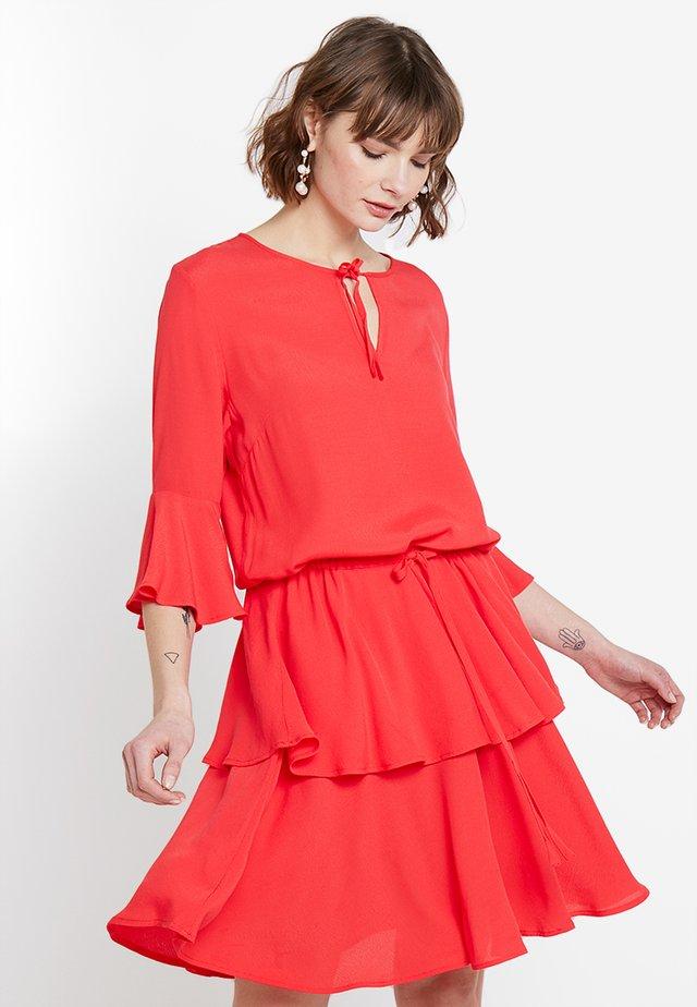 Day dress - tomato