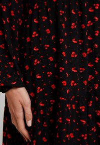 Freequent - FLOW PRINT - Korte jurk - black mix - 6