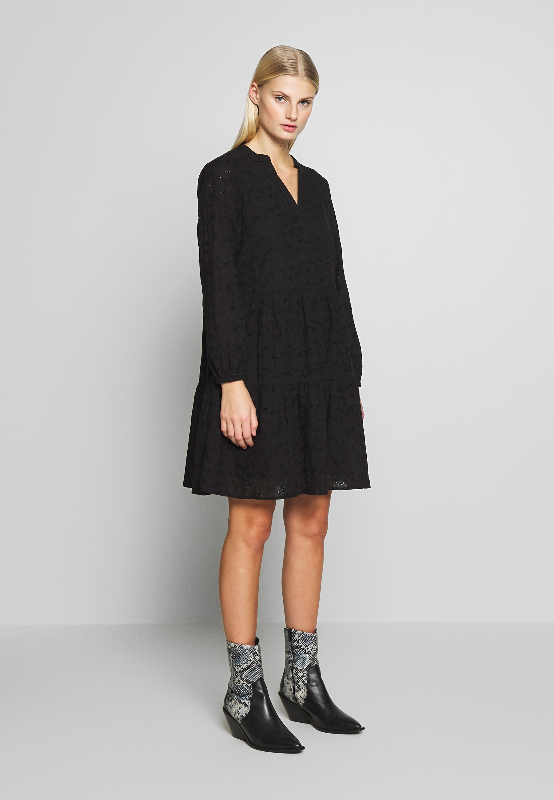 Freequent Sukienka letnia - black