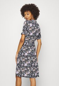 Freequent - LEAF - Shirt dress - violet tulip - 2