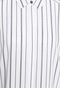 Freequent - Blousejurk - white/navy blazer - 2