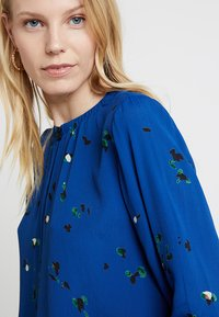 Freequent - Blouse - true blue mix - 4