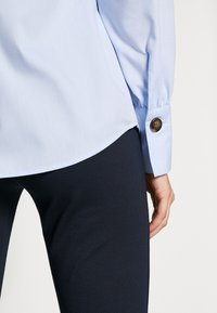 Freequent - FLYNN - Bluser - chambray blue - 5