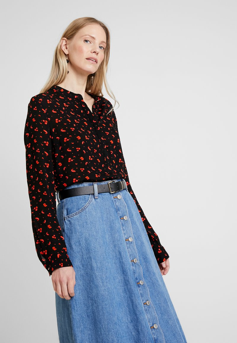 Freequent - PRINT - Blus - black/red