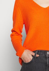 Freequent - Jumper - orange - 3