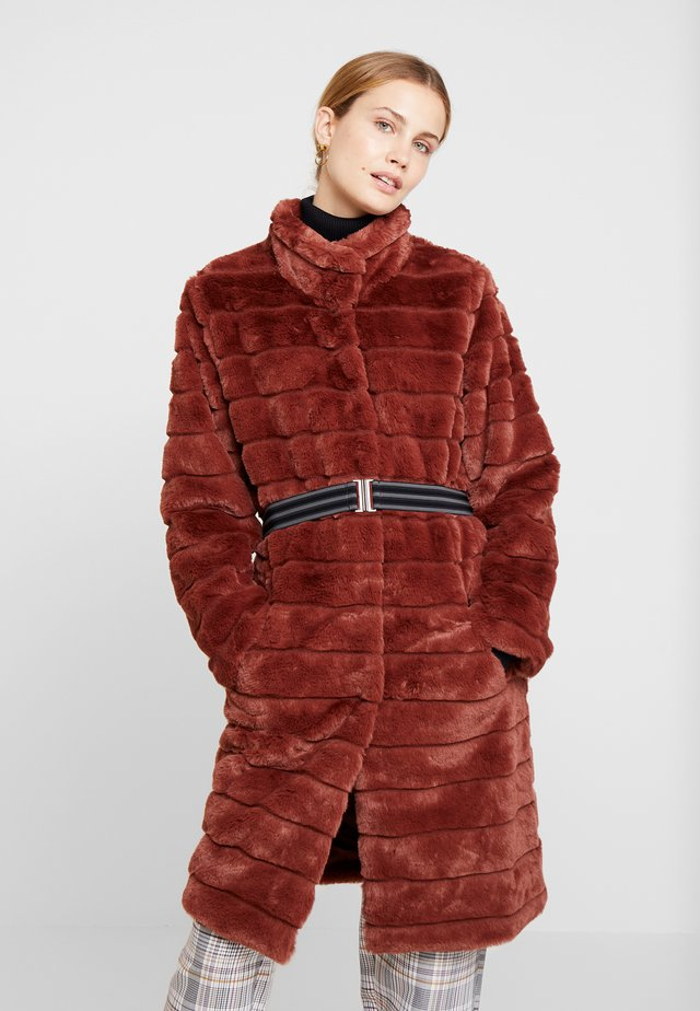 FURBY COLLAR - Winter coat - brown