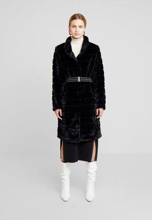 FURBY COLLAR - Zimní kabát - black