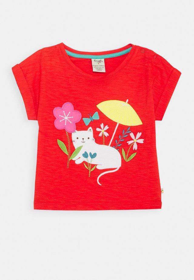 SOPHIA SLUB - T-shirt z nadrukiem - koi red