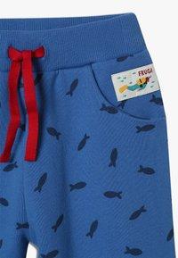 Frugi - PRINTED SNUG JOGGERS - Teplákové kalhoty - sail blue shoals - 3