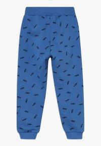 Frugi - PRINTED SNUG JOGGERS - Teplákové kalhoty - sail blue shoals - 1