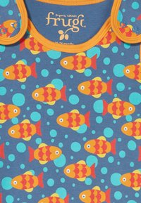 Frugi - KNEEPATCH DUNGAREE FISH BABY - Jumpsuit - koi joy - 4