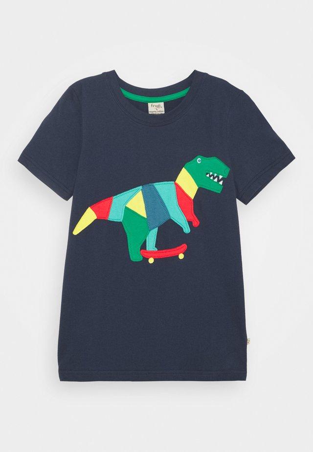 STANLEY APPLIQUE UNISEX - T-shirt print - indigo