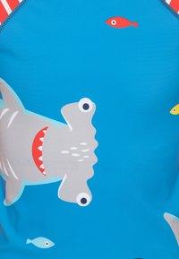 Frugi - OEKO TEX RASH SUN SAFE SHARK - Rash vest - motosu blue - 2