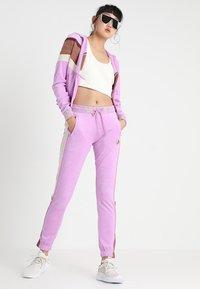 Fenty PUMA by Rihanna - FITTED TRACK PANT - Træningsbukser - violet - 1