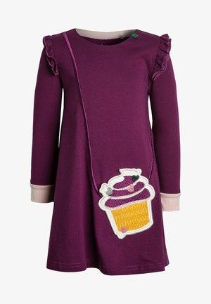 GOTS CUPCAKE POCKET DRESS - Žerzejové šaty - bordeaux