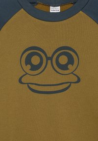 Fred's World by GREEN COTTON - HELLO - Collegepaita - dark olive - 3