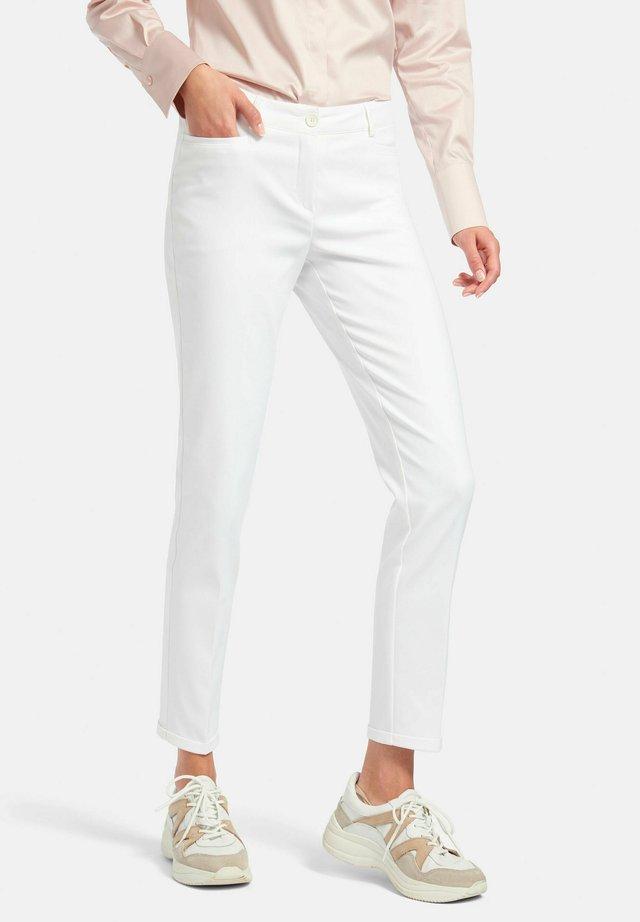7/8-HOSE KNÖCHELLANGE HOSE - Pantalon classique - weiß