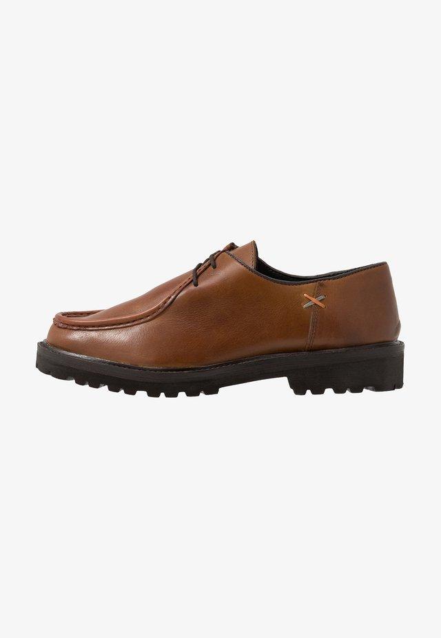LETO - Šněrovací boty - tan